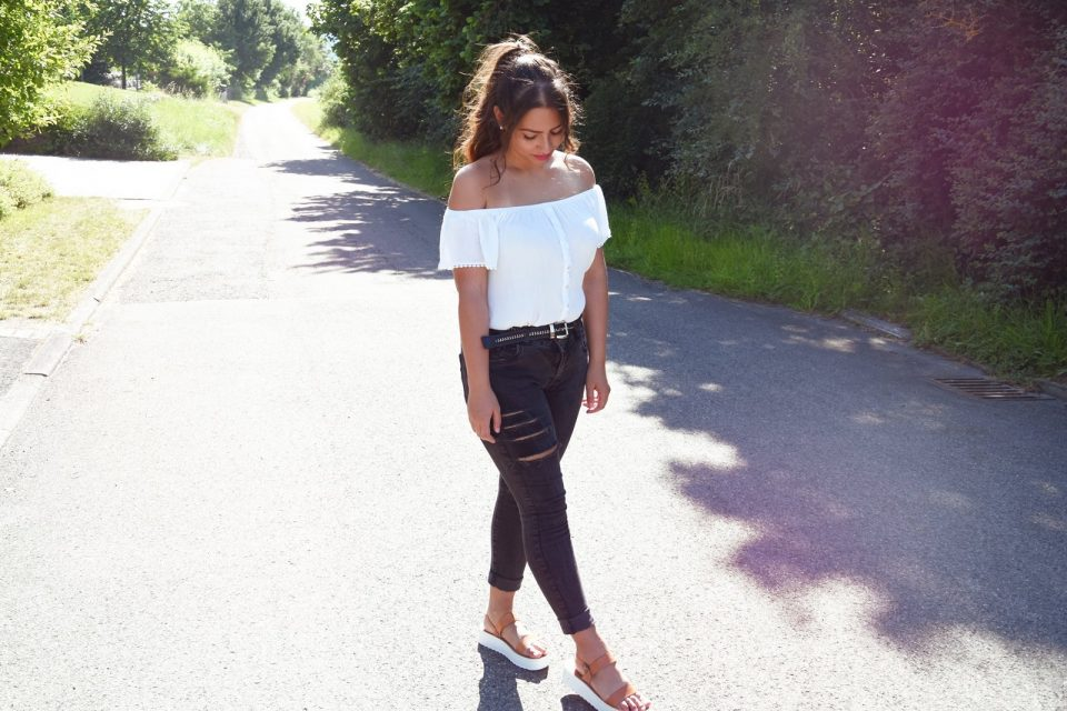 Outfit: White Top and Ripped Jeans